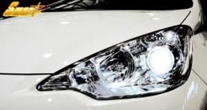 トヨタ アクア オートライト対応専用 ヘッドライトキット